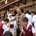 SIS Goes SMART  with Ambassador Ngurah